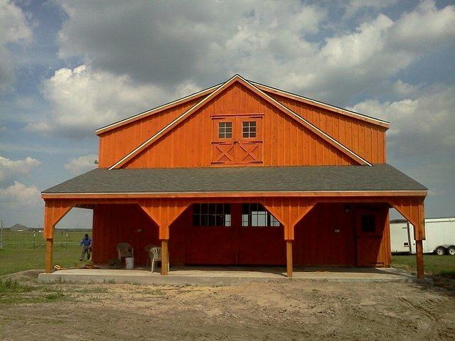 Kennebec Barn With Front Lean To
